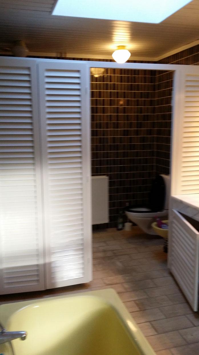 Badeværelse efter Malerfirmaet Rørvig har malet låger